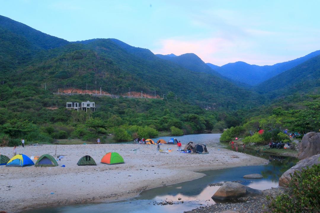 Kinh nghiệm phượt và cắm trại ở bãi Nước Ngọt chi tiết nhất
