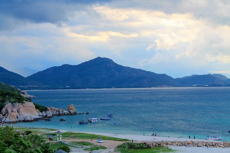 Đảo Bình Hưng: Review kinh nghiệm du lịch phượt đầy đủ chi tiết từ A - Z