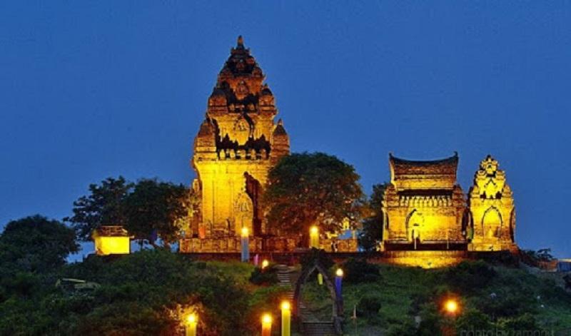 Tháp Chàm Ninh Thuận Pôklông Garai: Kinh nghiệm vui chơi A-Z