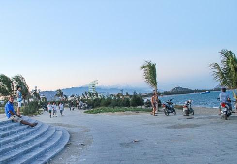 Công viên biển Bình Sơn: Kinh nghiệm tham quan ăn chơi chi tiết