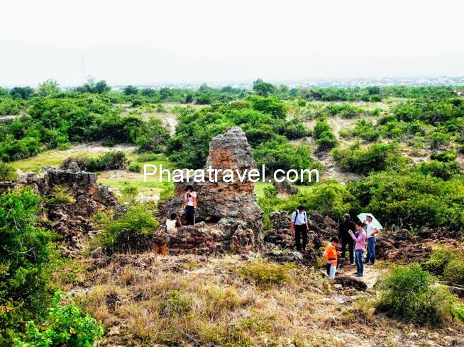 """Bãi đá cổ Karang Chaklaing: """"linh hồn"""" của nền văn hóa Chăm độc đáo"""