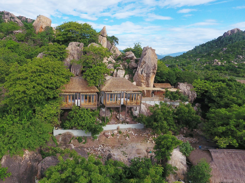 The Escalade Cam Ranh